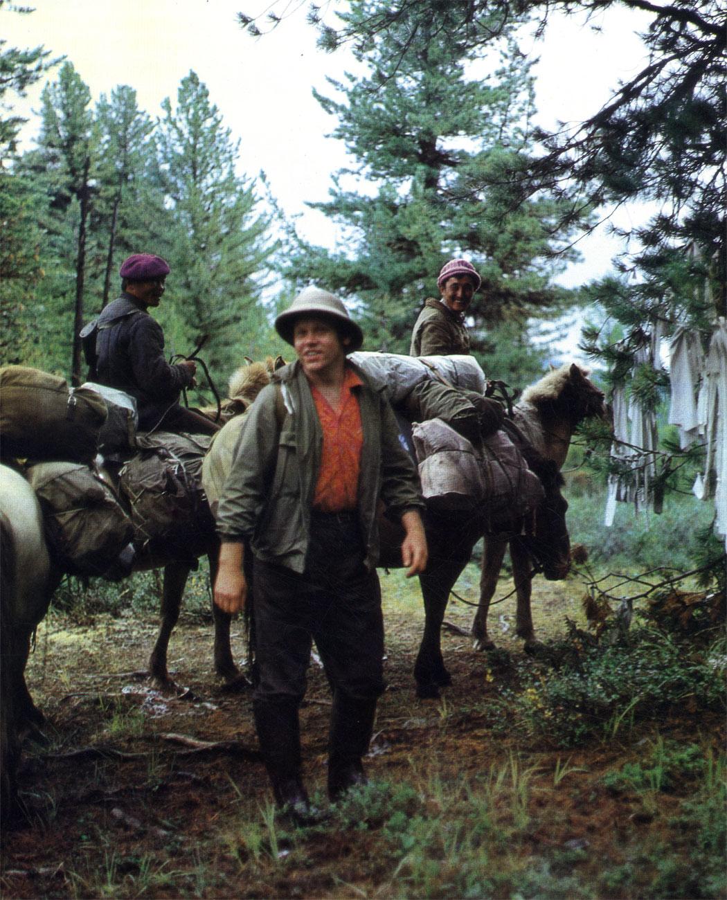 Лошадь - незаменимый помощник и геологов в тайге, и чабанов на горных пастбищах